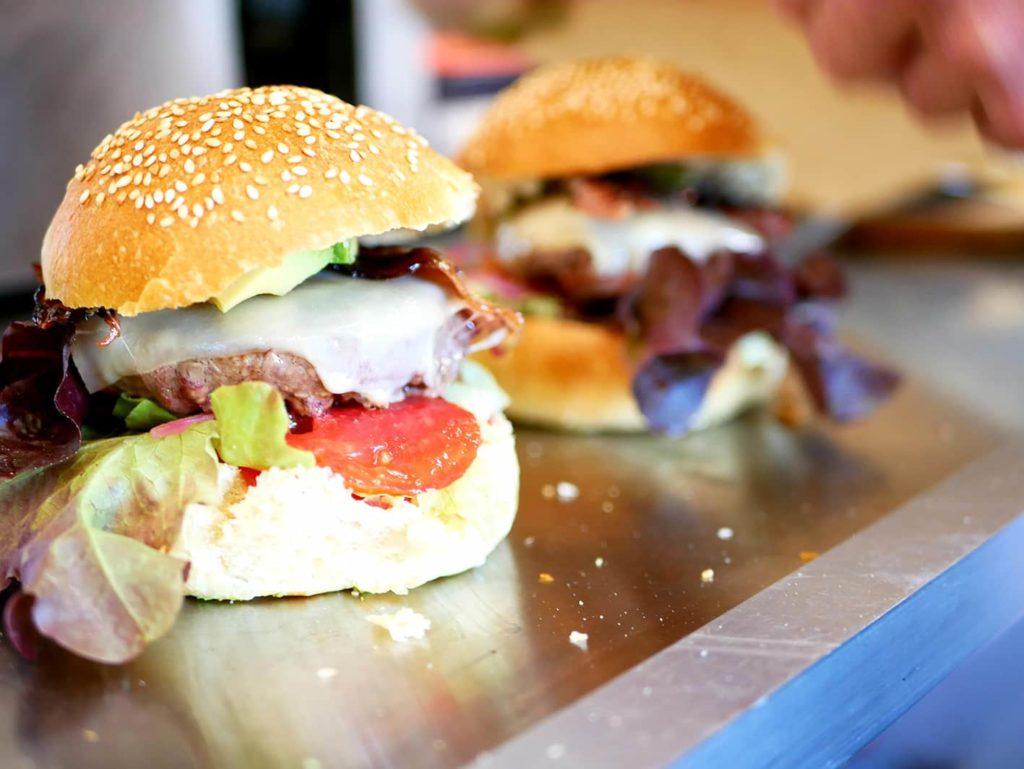 Nos burgers, par le Spot Beachfood