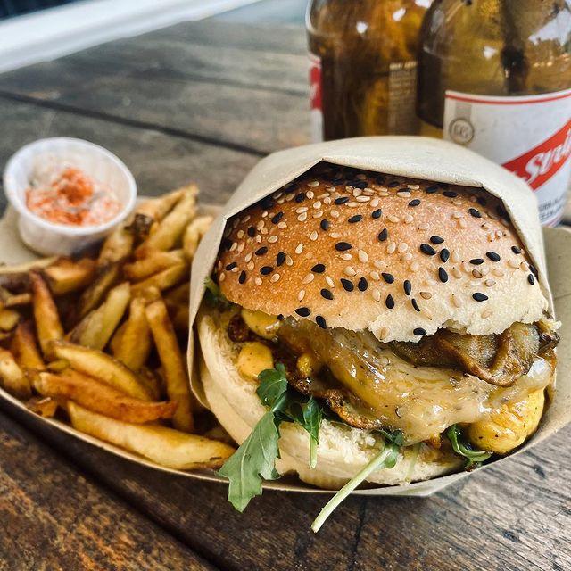 Notre burger, par le Spot Beachfood